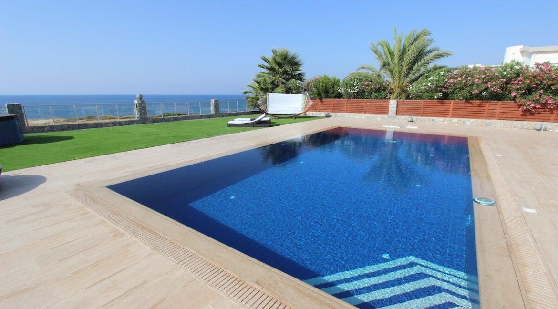 Tatlisu Seafront Luxury Villa 4 Bed - North Cyprus Property 17