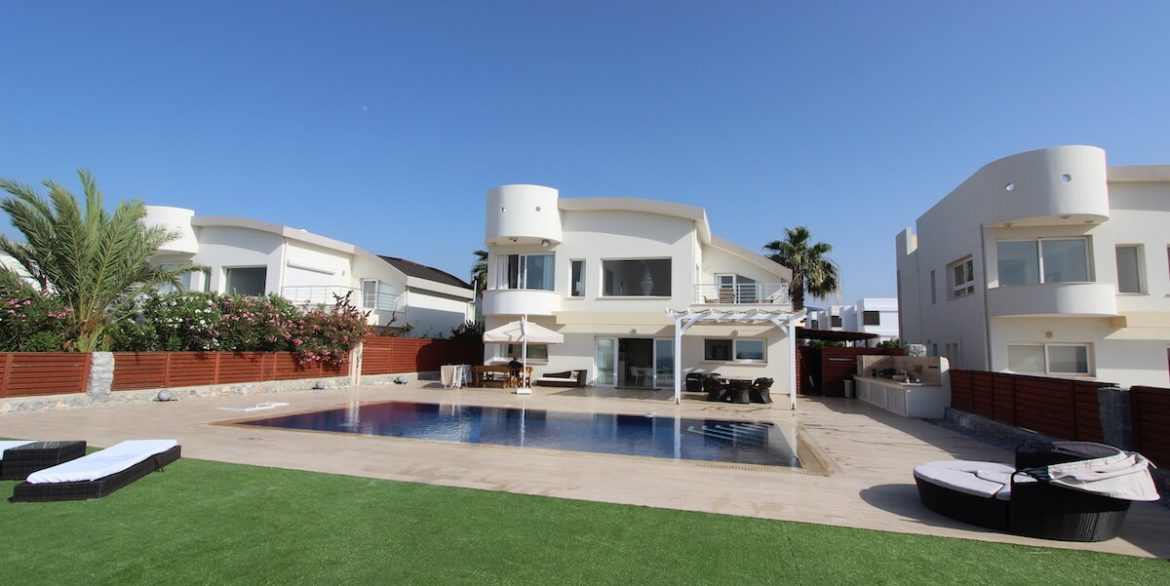 Tatlisu Seafront Luxury Villa 4 Bed - North Cyprus Property 19