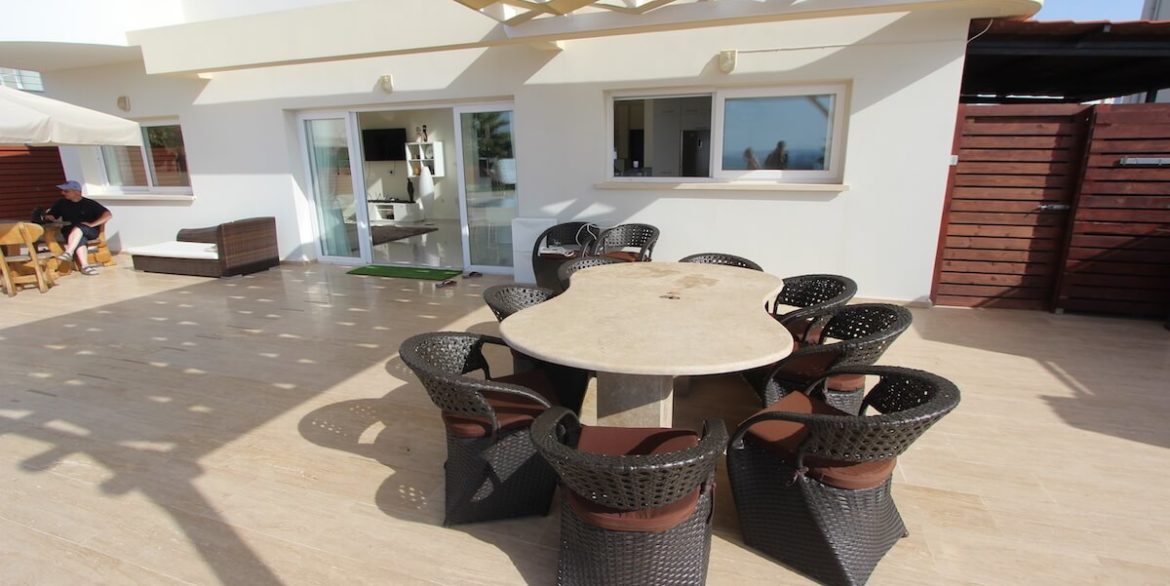 Tatlisu Seafront Luxury Villa 4 Bed - North Cyprus Property 21