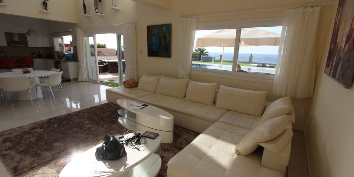 Tatlisu Seafront Luxury Villa 4 Bed - North Cyprus Property 23