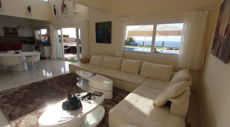 Tatlisu Seafront Luxury Villa 4 Bed - North Cyprus Property 23
