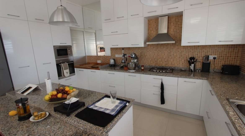 Tatlisu Seafront Luxury Villa 4 Bed - North Cyprus Property 9