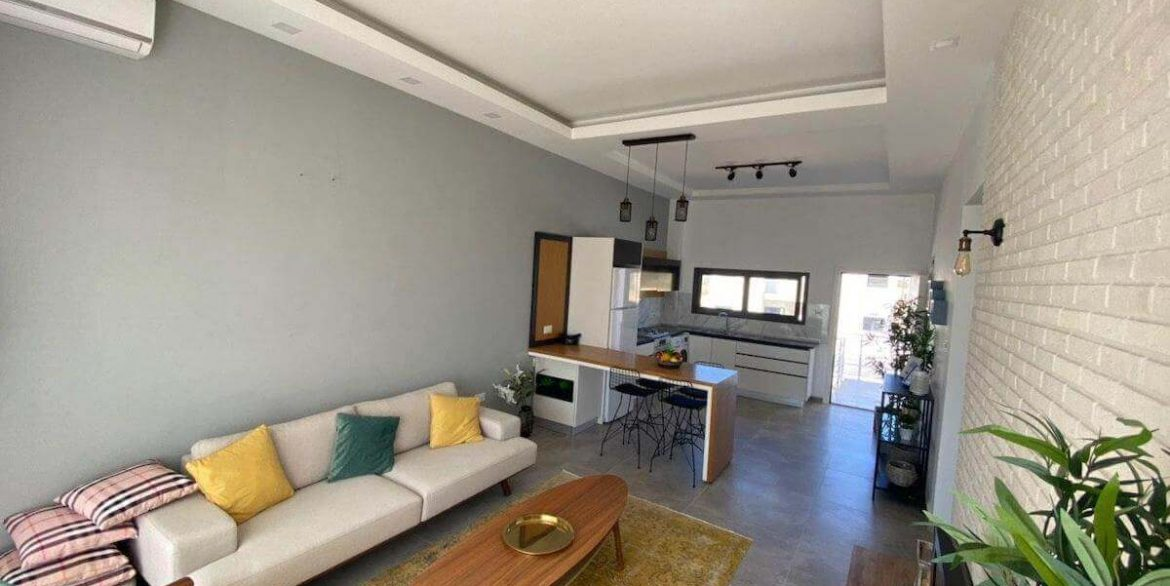 Ultra-modern 2 Bed Seafront Penthouse - North Cyprus Property I8