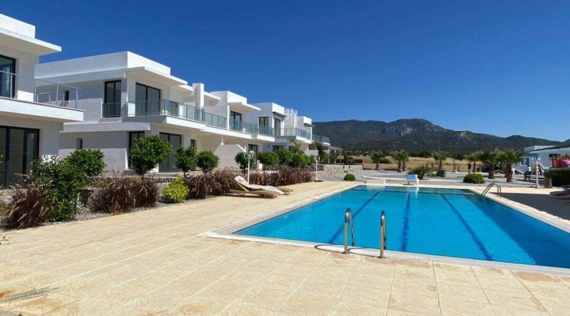 Ultra-modern Seaview Apartments - North Cyprus Property G10