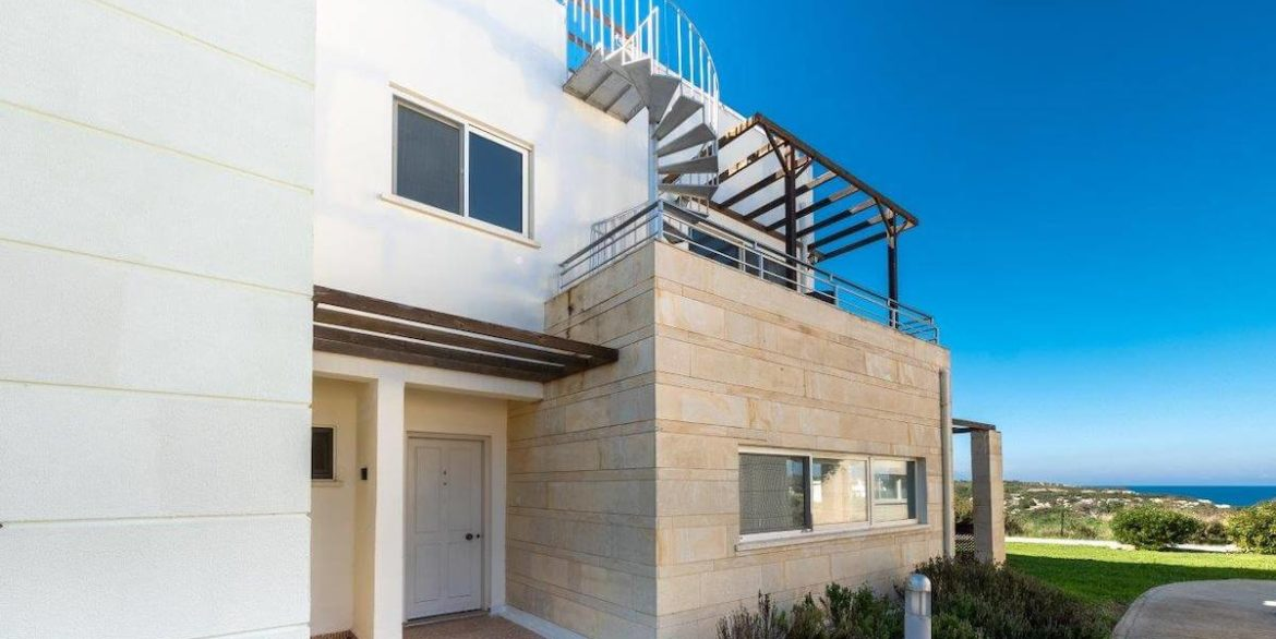 Turtle Beach & Seaview Apartment 2 Bed - North Cyprus Property E5