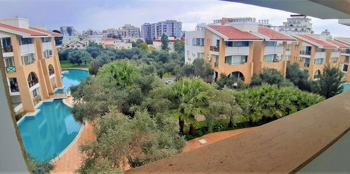 Kyrenia Turkish Title Top Floor Apartment - North Cyprus Property 15