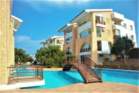 Kyrenia Turkish Title Top Floor Apartment - North Cyprus Property 6