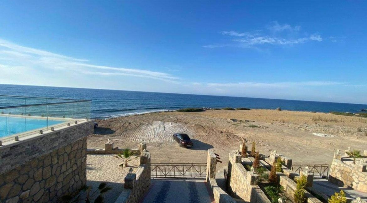Esentepe Exclusive Beachfront Villa 4 Bed - North Cyprus 11
