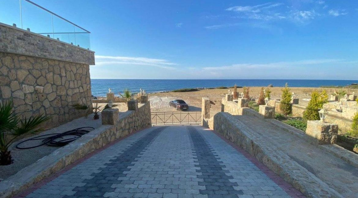Esentepe Exclusive Beachfront Villa 4 Bed - North Cyprus 24