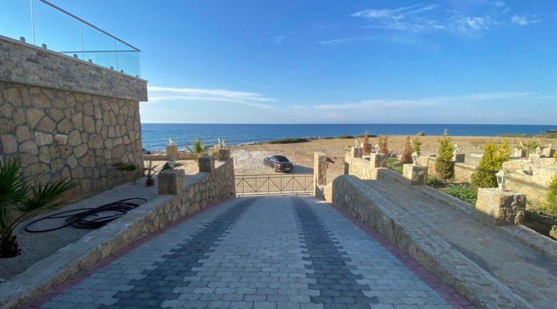 Esentepe Exclusive Beachfront Villa 4 Bed - North Cyprus 24