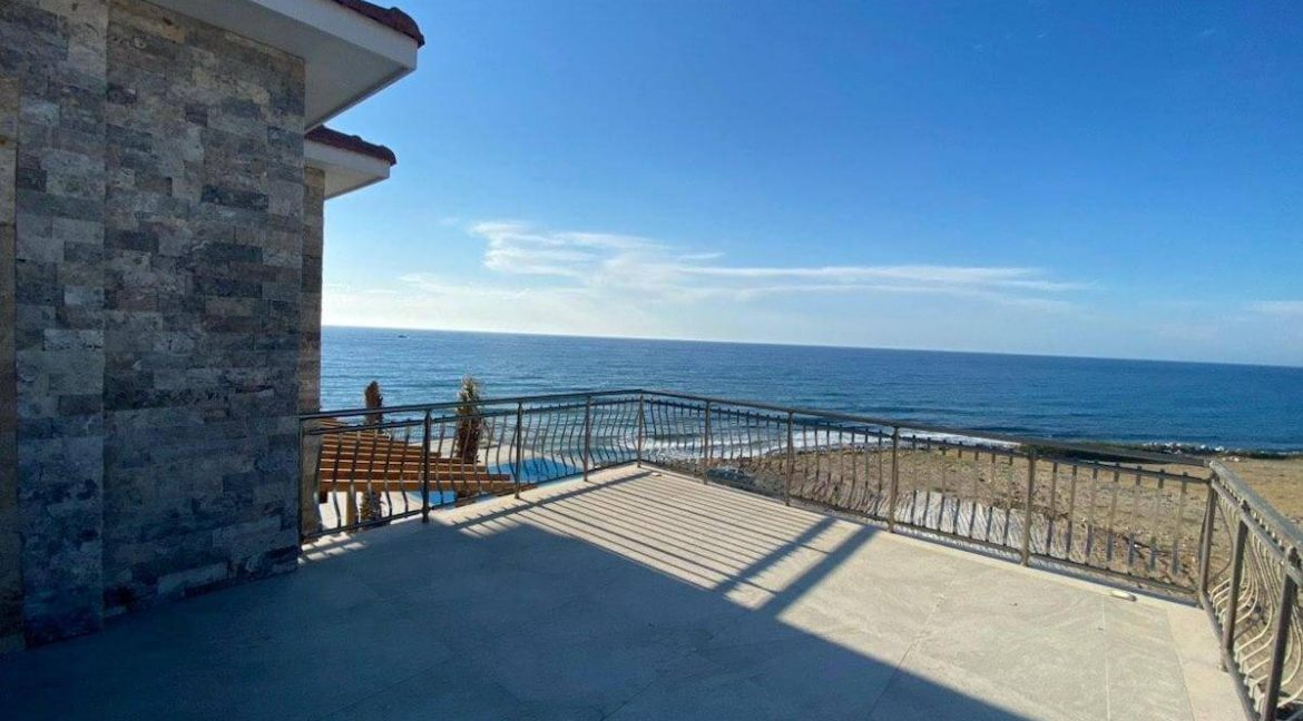 Esentepe Exclusive Beachfront Villa 4 Bed - North Cyprus 37
