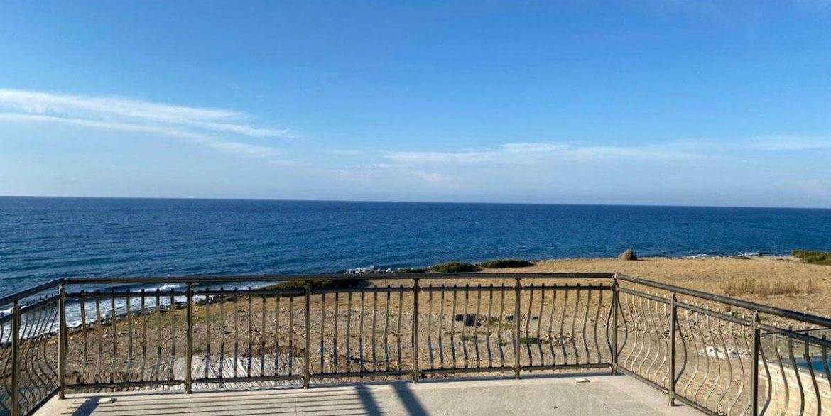Esentepe Exclusive Beachfront Villa 4 Bed - North Cyprus 38