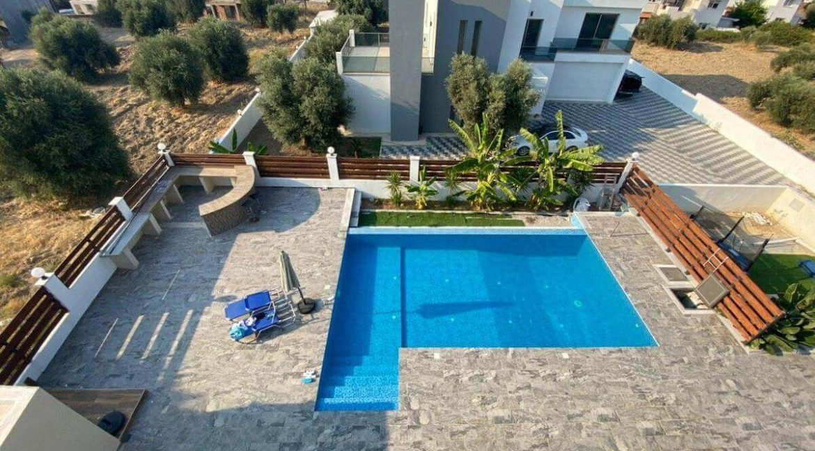 Catalkoy Modern Luxury Villa 4 Bed - North Cyprus Property 11