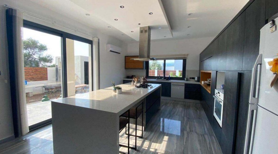 Catalkoy Modern Luxury Villa 4 Bed - North Cyprus Property 40