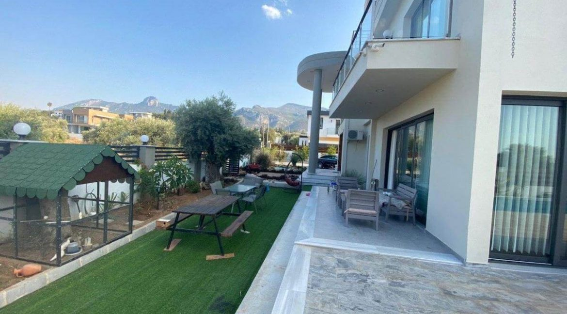 Catalkoy Modern Luxury Villa 4 Bed - North Cyprus Property 44