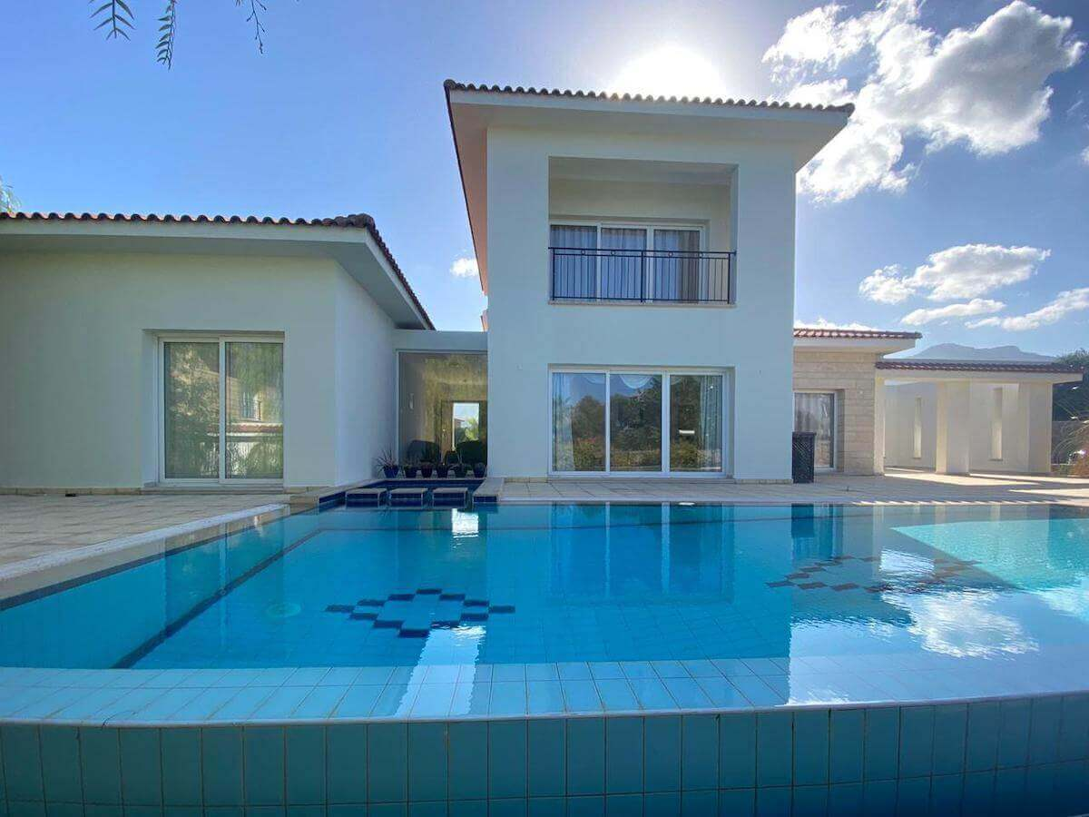 Esentepe Beach & Golf Luxury Modern Villa 3 Bed